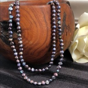 Jewelry - 🔥 3/$12 Faux Iridescent Pearl 2 Strand Necklace